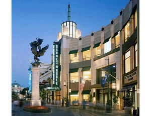 Barnes & Noble - Los Angeles: The Grove