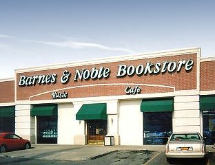 Barnes & Noble Book Store at Lincoln O Street