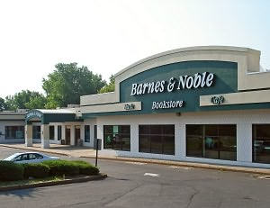 Barnes & Noble Book Store at Farmington