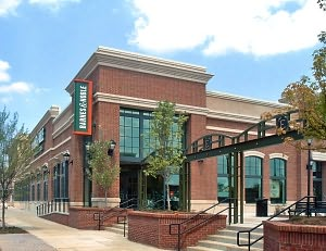 Barnes & Noble Book Store at Edgewood Retail