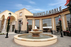 Barnes & Noble Book Store at CA/Folsom